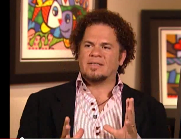 Very few non-art history majors have the opportunity to write/produce art series featuring living legends. Here I'm asking Romero Britto if I can get a discount on his new luggage line. Kidding.